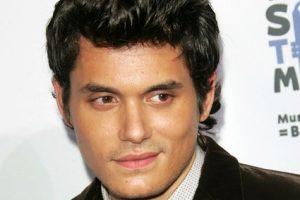Eternal bachelor John Mayer deleted his popular Twitter account.