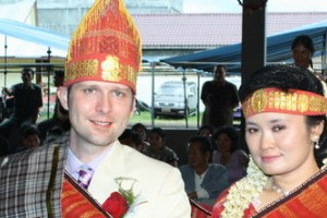 Richard & Ita crossed the Pacific Ocean to find each other