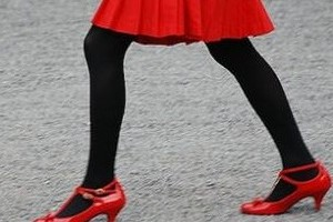 Scientists: Wearing red is more attractive
