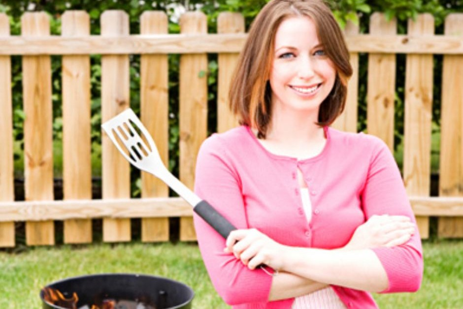 Single Catholic girl at grill: How to embrace single life