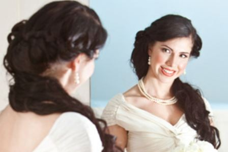Do you dream of your wedding? Should you? Single women in their 20s do.