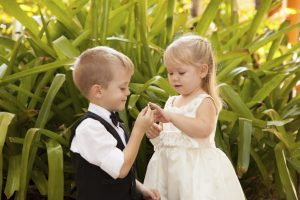 children-wedding-couple