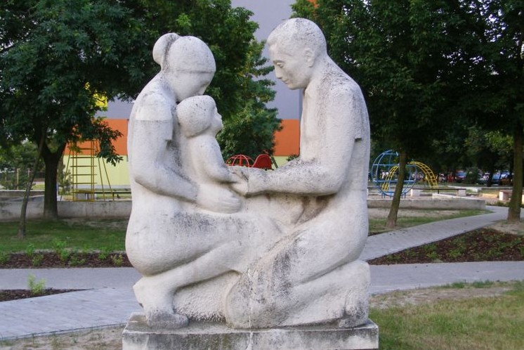 Parents_with_child