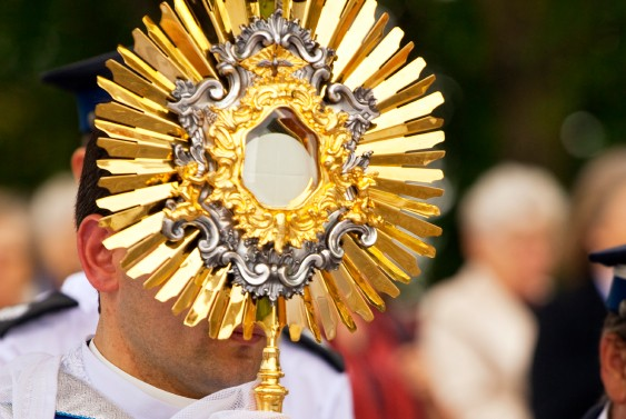 Spending Time in Adoration Brings Peace