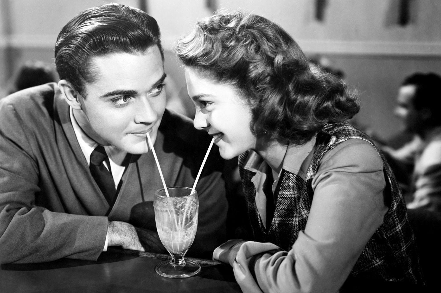 Is Old-Fashioned Dating Cool Again?