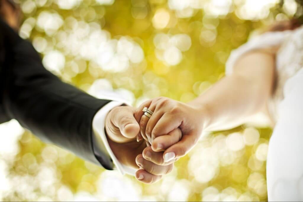 hands-marriage